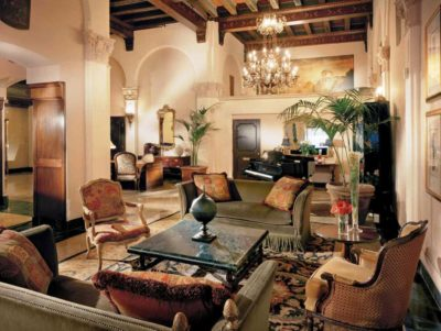Kensington Park Hotel Lobby