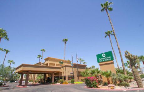 GreenTree Inn & Suites